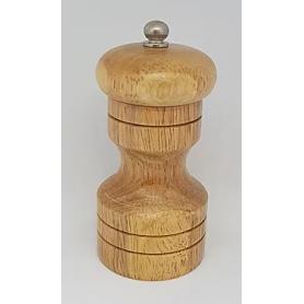 Pfeffermühle aus Holz mit Gravur